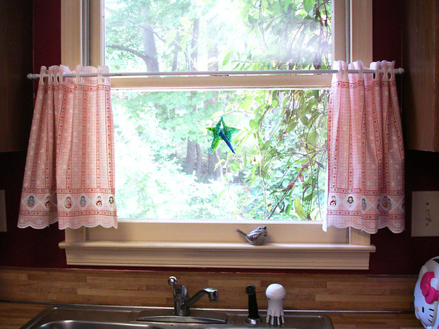 Kitchen Cafe Curtains Over Sink The New Cafe Curtains In