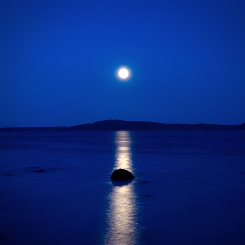 ocean longexposure blue sea summer moon seascape motion color colour reflection beach water norway night dark landscape coast colorful horizon shoreline explore shore silence moonlight oslofjord horten vestfold smoothwater karljohansvern explored bildekritikk silkwater