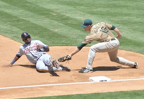 Chase Headley tags the runner out
