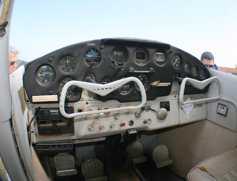 panel clásico Cessna CX-ATP