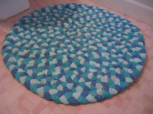 Braided rug made from old towels | by sassycrafter