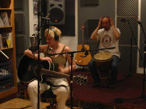 Michael recording with percussionist John Kaigler of the Carolinas, on her first album 'Painting Pictures'