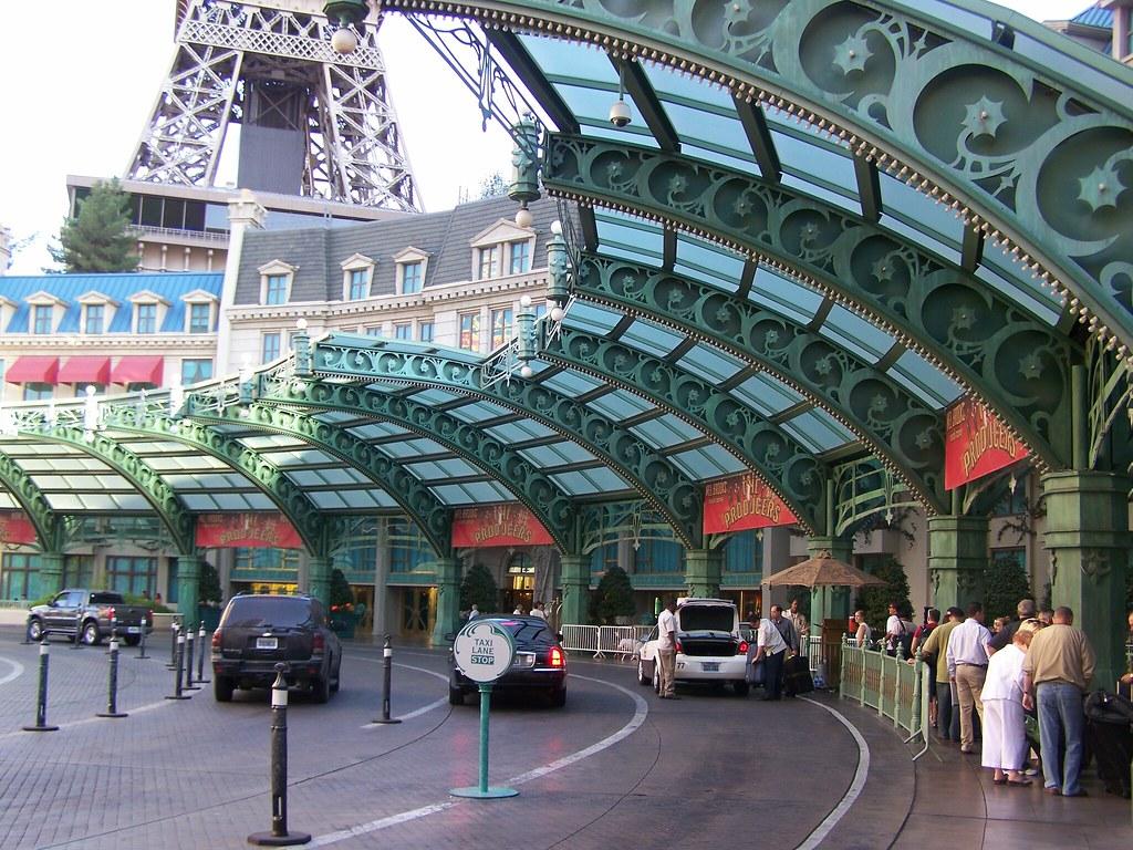 Valet Parking Entrance Paris Las Vegas The Excitement You Flickr