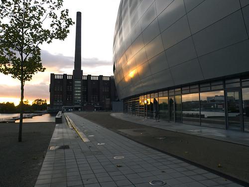 sunset architecture reflections germany deutschland sonnenuntergang dusk architektur wolfsburg autostadt abenddämmerung spiegelungen olympuse3