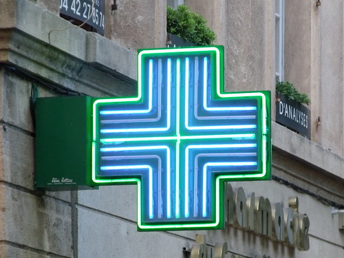 Green Cross - Pharmacy - Cours Mirabeau, Aix-en-Provence | by ell brown