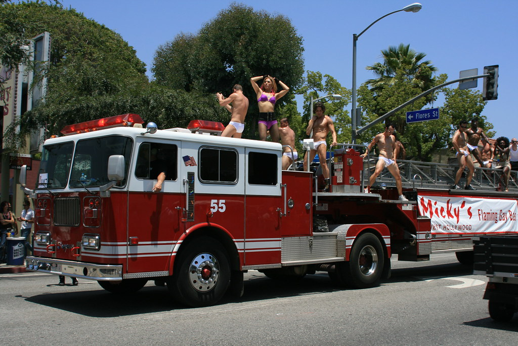 ... jasoninhollywood L.A. Pride 2008 - Micky's Flaming gay bar fire truck    by jasoninhollywood