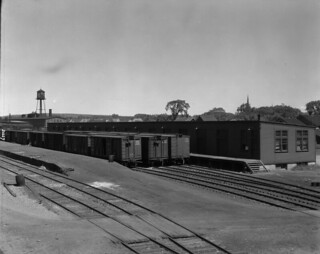 Canadian National Railways (CNR) freight yards / Une gare de marchandises de la société Canadian National Railways