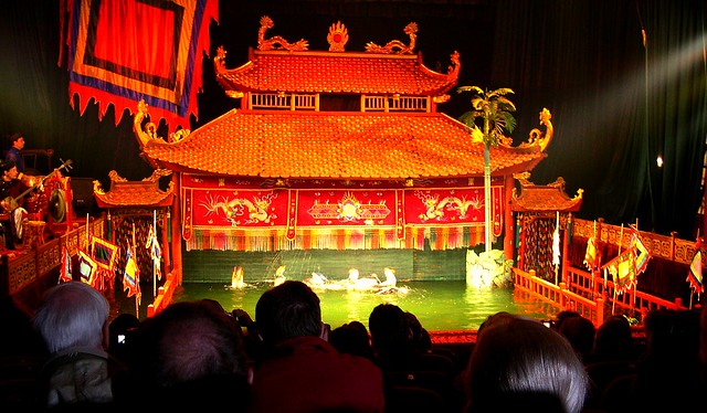 VIETNAM , Wasserpuppen-Theater in Hanoi