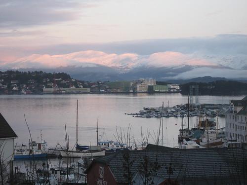 pink sunset sea sky snow mountains water norway montagne boats evening day mare dusk north rosa barche clear explore cielo neve fjord acqua norvegia sera fiordo crepuscolo stord leirvik hachikoit chiarasirotti