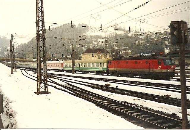 "ÖBB0246 Lok 1044.237 mit dem IC ""Croatia"" in Schwarzach-St. Veith"