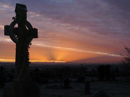 ireland winter sunset cemetery sunrise frost quiet peace frosty belfast northernireland celticcross tranquillity gaeliccross wcdc58b