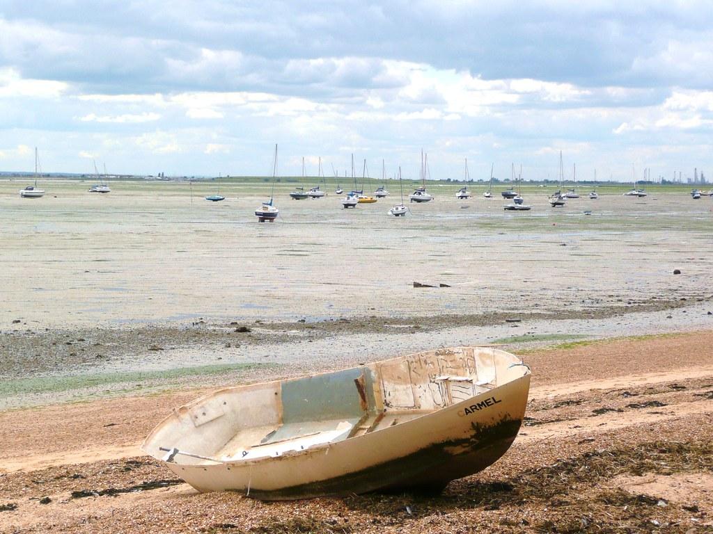 Boat on Chalkwell beach