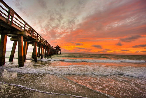 ocean blue sunset red colors easter pier florida sunday naples eastersunday firstquality naplespier