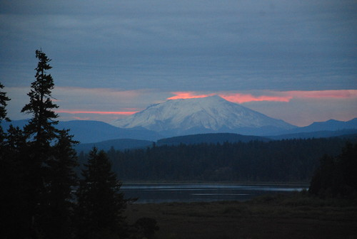favorite sunrise silverlake washingtonstate mountsthelens castlerock blueheroninn