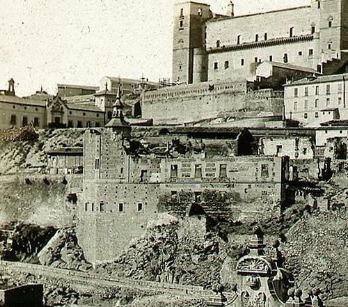 Restos del Convento del Carmen Calzado de Toledo hacia 1858. Fotografía de Jean Laurent editada por Charles Soulier
