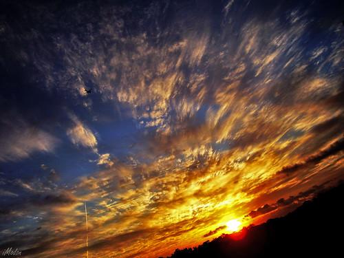 blue red brazil sky cloud sun mountain sol azul brasil clouds sunrise airplane geotagged céu vermelho bahia nuvens salvador avião nuvem montanha amanhacer geo:lon=38472866 amãnhecer geo:lat=12942905
