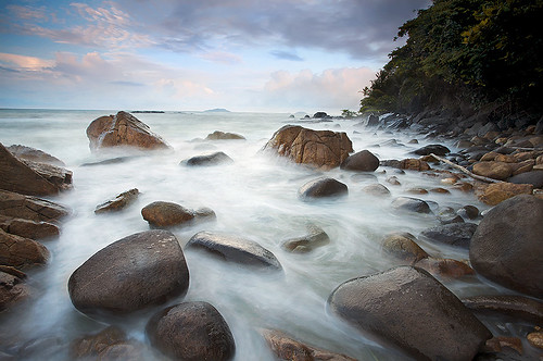 sea mer beach ilovenature stones bourda cayenne plage rochers frenchguiana canonef1740mmf4l guyanefrançaise erickloitière explore21thankyou