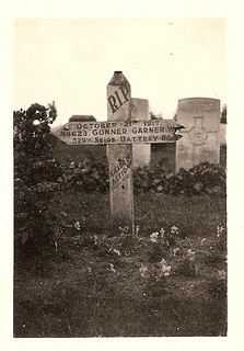 'Dare's grave. Menin Road, South Military Cemetery, Ypres'