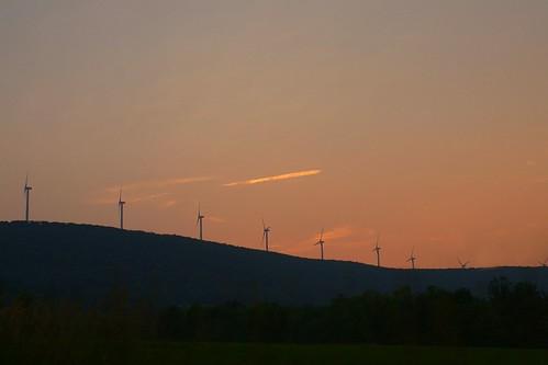 sunset sky moon windmill photography power dusk sony windmills pa valley series 300 alpha dslr 2008 alternative lackawanna waymart a300 α dslra300 α300 dslra300k αlpha dslrα300 dslrα300k