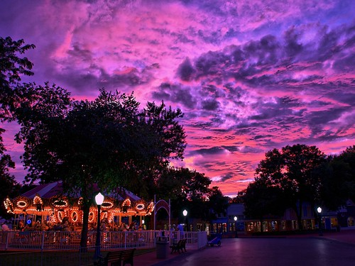 pink sunset sky sunlight colors beautiful clouds geotagged colorful purple dusk carousel iowa handheld amusementpark hdr highdynamicrange adventureland altoona capitolheights expressmonorail dynamicphotohdr nikond300 joepenniston adventurelandusa geo:lat=41653872 geo:lon=93499754