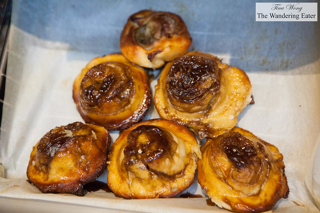 Apple buns (cream based bread)