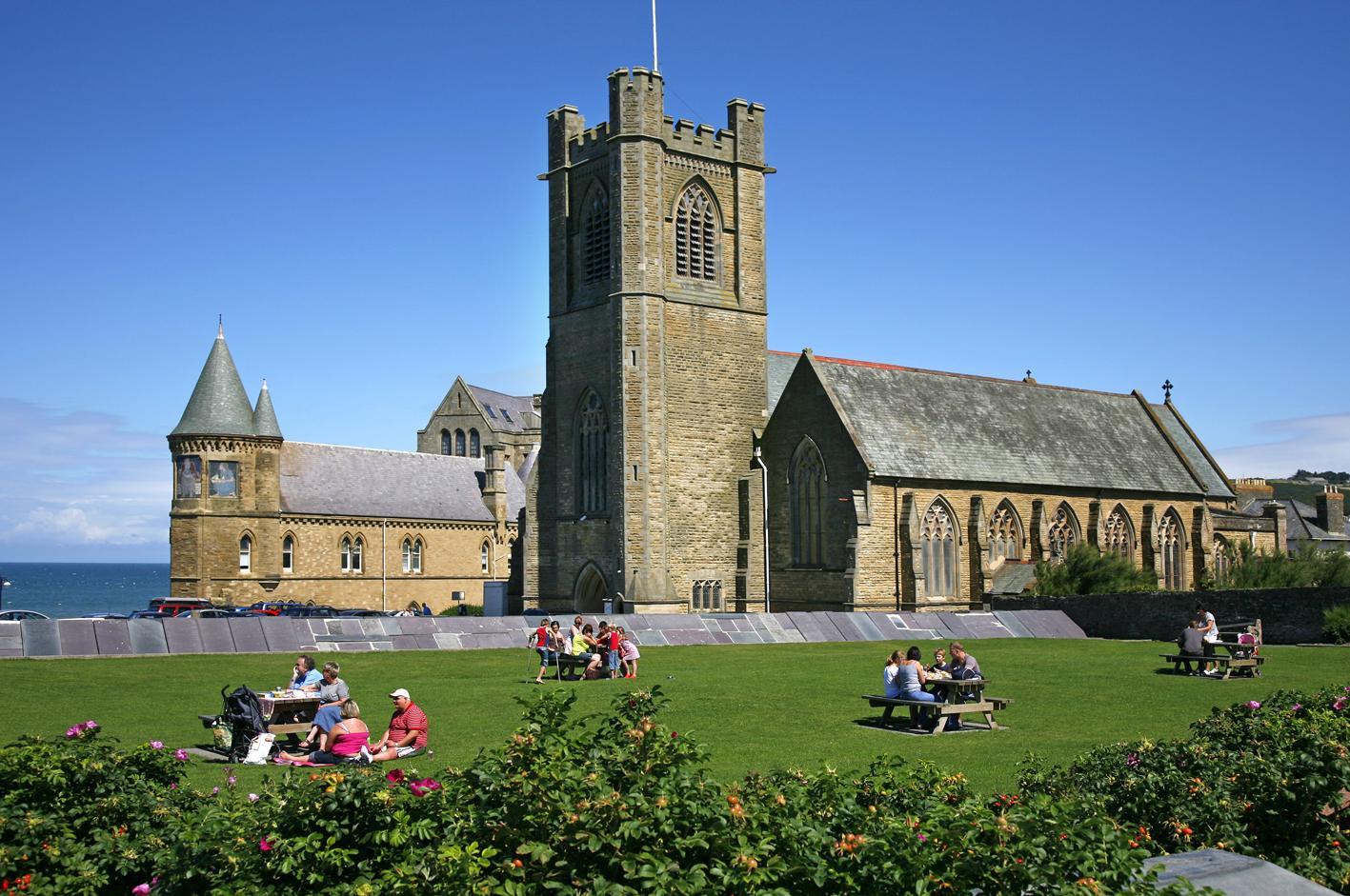 Ceredigion, ABERYSTWYTH, St Michael & All Angels (Brian Woodruffe 2008)