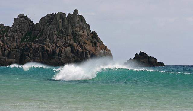 Offshore, Empty wave @ Logan Rock, Porthcurno, Cornwall