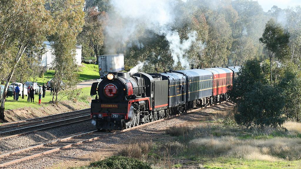 R761 at Glenrowan by michaelgreenhill