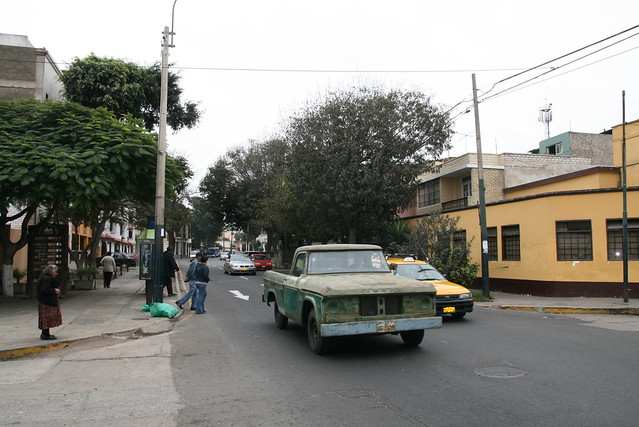 San Martin Avenue, that old car is still working!