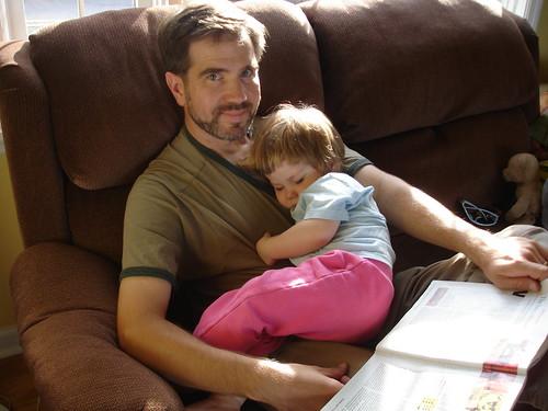 Daddy lap, Kira nap