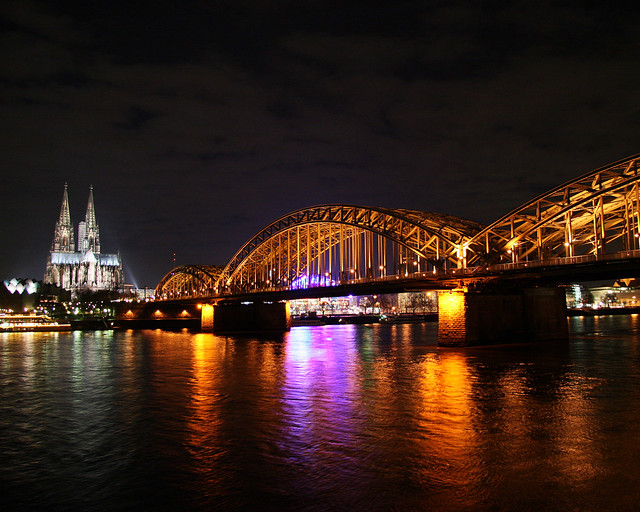 cologne_dom_hohenzollernbruecke_night_01