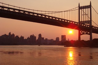 heatwave sunset; Astoria Park | by Global Jet