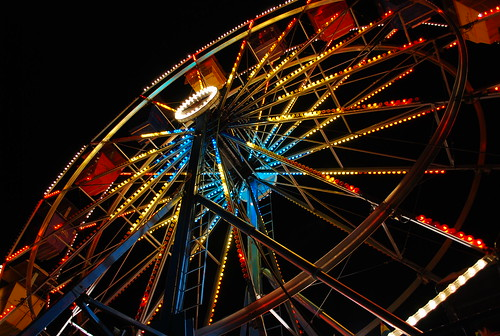 longexposure carnival blue atlanta red usa colors yellow night contrast dark georgia lights nikon south roswell perspective wideangle pointofview southern ferriswheel rides amusements lowangle d80 colorphotoaward superhearts peachtreerides artistsoftheyear tup2 theenchantedcarousel tophonorphotographerparadise nikonflickrawardgold nikonflickraward50mostinteresting