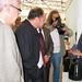Mar, 18/11/2008 - 12:54 - O director xeral de I+D+i, Salustiano Mato, atende as explicacións dos responsables do proxecto 'Viperbot 1.0'. (IES Joan Guinjoan i Gispert. Barcelona). Galiciencia. 18 de novembro de 2008