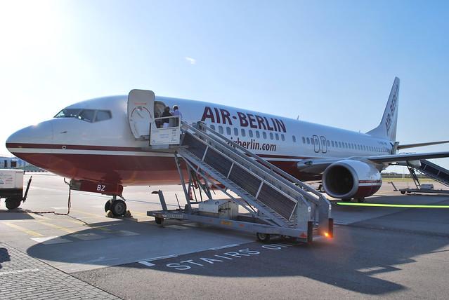 Air Berlin Boeing 737 (D-ABBZ) Schiphol M-gate
