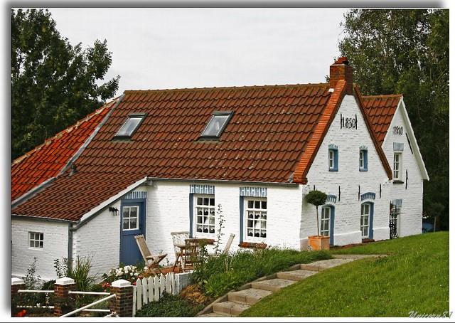 (696)Greetsiel / old house