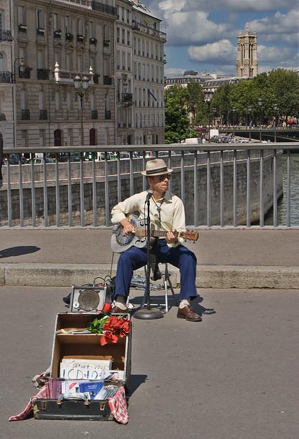 Músico callejero / Street musician