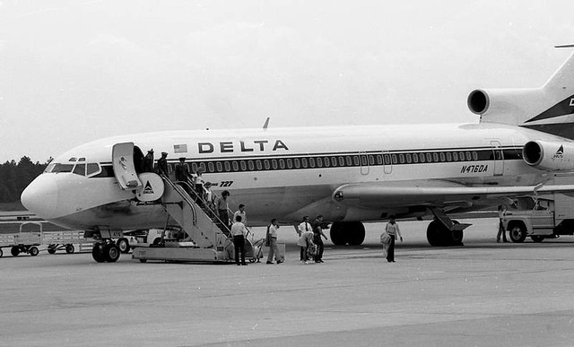 Delta B-727 at Columbia Met (1973)