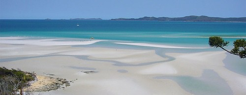Awesome image of Whitehaven Beach on the Whitsunday Islands.