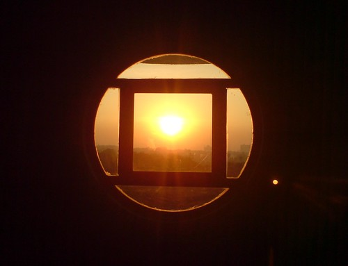 cameraphone abstract window sunrise circle square ericsson sony hostel12 iitbombay k790i exif:flash=flashdidnotfire exif:exposure=0003sec1320 exif:exposure_bias=010ev exif:aperture=f28 camera:make=sonyericsson exif:iso_speed=80 camera:model=k790i meta:exif=1233219906