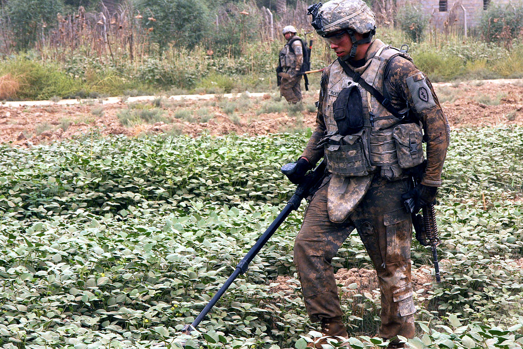 www Army mil   OYBEAN SEARCH - U S  Army Spc  Justin Roesch