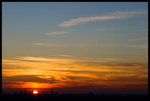 atlanta sunset mountain silhouette canon ga georgia atl dslr stonemountain atlantaga atlantageorgia 70200mm ef70200mm atlantasunset canon70200f28l 70200mmf28 xti 400d nrbelex aps101908 apg101908