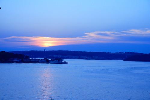 blue sunset cloud lake night evening horizon watertower missouri lakeoftheozarks ozarks