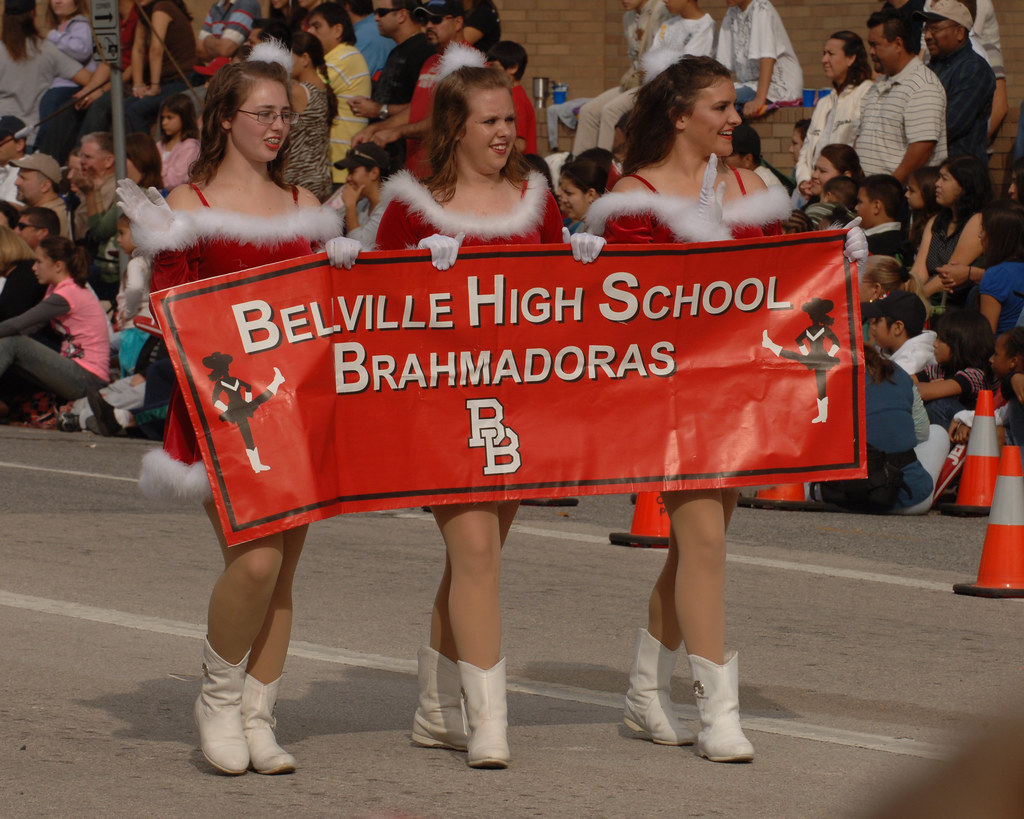 HEB Parade 2008 C030T.jpg