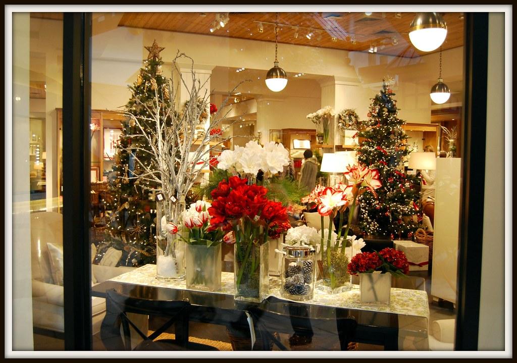 Pottery Barn Christmas.Pottery Barn Christmas Holiday Window Shopping Flickr