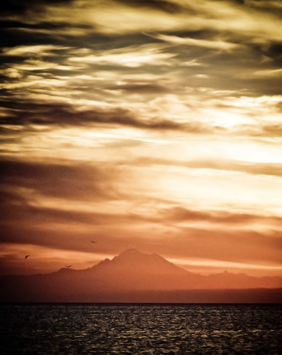 ocean red orange mountain water sunrise dark de mt baker juan strait fuca sunrisewateroceanstraitofjuandefucaorangeredmtbaker