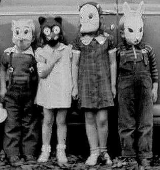 Vintage Halloween Costume Pictures.Vintage Halloween Costumes Children Kentuckyslone Flickr