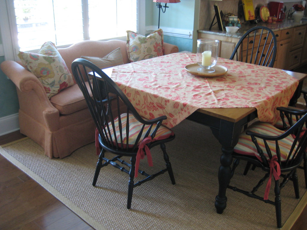 Large square kitchen table | A large square table seats 8 wi ...