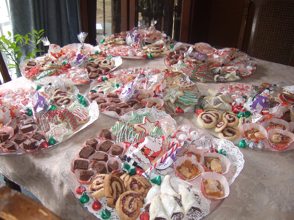 Christmas Cookie Trays.Christmas Cookie Trays Seven Trays Of Assorted Christmas C