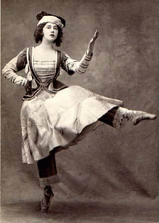 Tamara Karsavina dans Petrushka - 1911